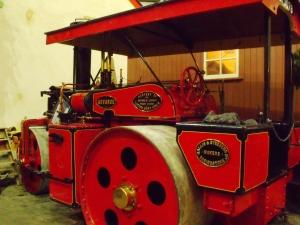 Steam roller by Wallis & Steevens, 1927, used for road repairs. Milestones.