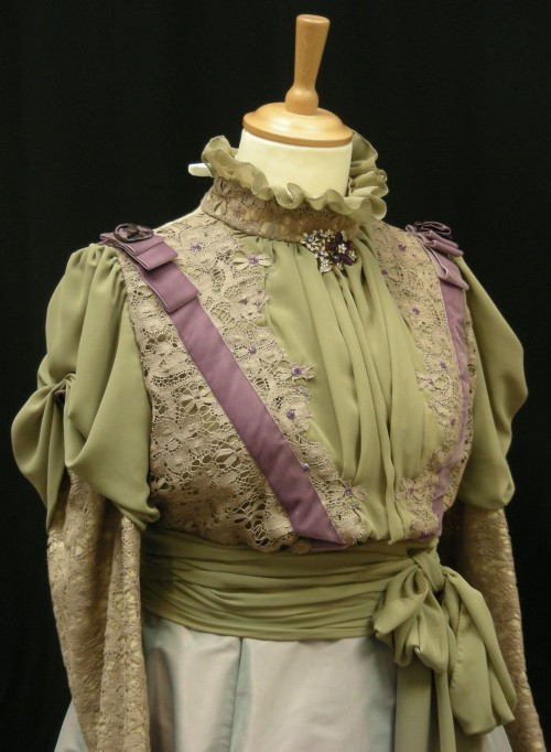 ©Ironbridge Gorge Museum Trust. Costume (1900) made to be worn by members of the public at the Photographer's Studio at Blists Hill Victorian Farm. Made by The Costume Project at Ironbridge.