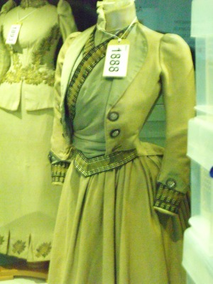 ©Come Step Back in Time. Exhibit from the Fashion Museum, Bath.