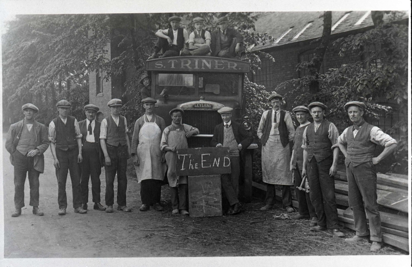 ©Ironbridge Gorge Museum Trust. Group portrait on the last day of the Coalport China Works, 1926 (IGMT 1980.1724)