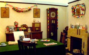 A 1940s living-room decorated for Christmas. Exhibit at Milestones Living History Museum, Basingstoke. ©Come Step Back In Time