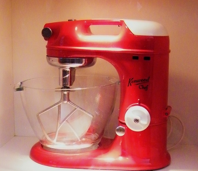 A700 Kenwood Chef (1950-1957) on display in The Kenwood Kitchen Theatre. ©Come Step Back In Time