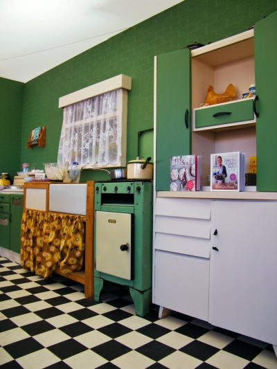 The 1940s kitchen from Kenwood's Kitchen Theatre. ©Come Step Back In Time